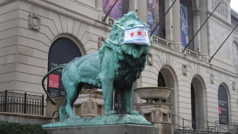Chicago Art Institute lions wear facemasks as a symbol, inspiration